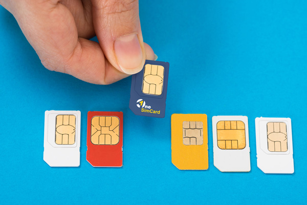 Selecting international SIM Card